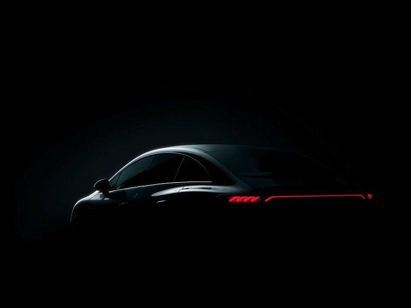 Mercedes komt met de teasers van EQE sedan