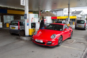 Herfstbegroting 2021: brandstofbelasting blijft bevroren terwijl de benzineprijzen stijgen
